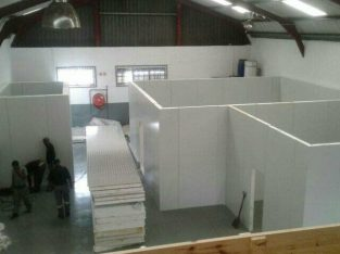We build cold room and freezer rooms