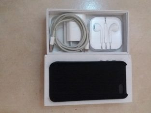 Excellent IPhone 5S Space Gray With Box and Accessories