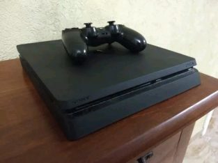 PS4 500 Gig Slim in Box New 8 Months 1 Sony Remote 2 Games