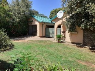 Greenhills, Randfontein. Three bedroom house